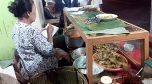 Makanan khas solo Nasi Liwet Bu Wongso Lemu yang asli enak