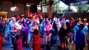 Suasana Pertunjukan di Saung Udjo