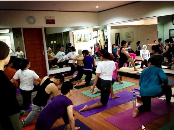 Sehat Bersama Energik Power Yoga Di Kota Malang Akulily