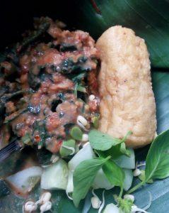 Nasi Pecel Sambal Tumpang Mak Tun di Kota Pare Kediri