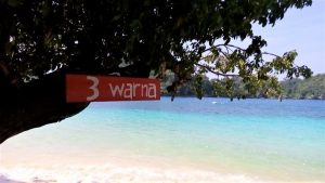 Pantai Tiga Warna Malang Selatan