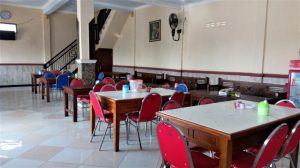 Suasana Resto Aulia Desa Ngimbang Lamongan