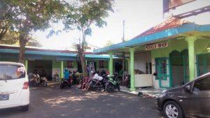 Warung Sederhana Stasiun Kereta Api Gubeng Surabaya