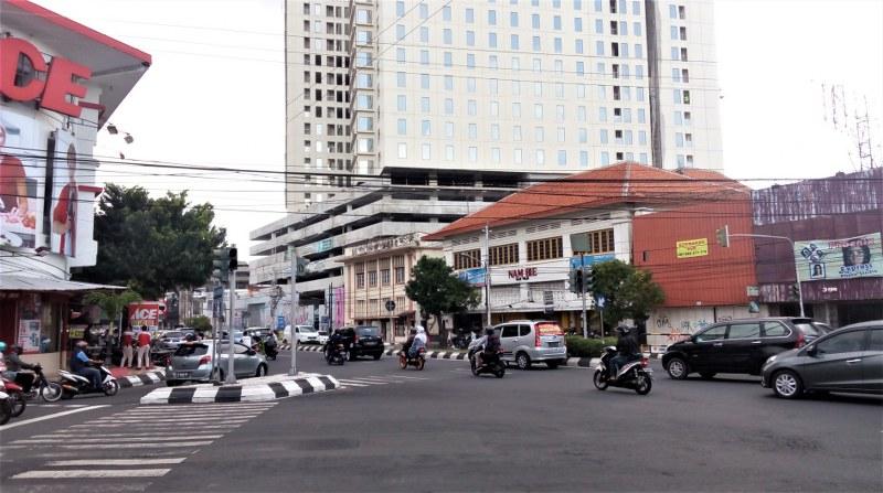 Menikmati Sore di Jalan Pemuda dan Simpang Lima Semarang ...