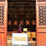 Berkunjung ke Biara Budha Po Lin di Ngong Ping 360