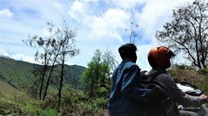 Menikmati Keindahan Savana Gunung Bromo dari Arah Desa Ngadas