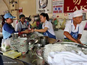 Makan Laksa Air Itam Yang Legendaris dan Enak di Penang