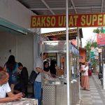 Makan Bakso Urat Super Enak di Kota Wisata Batu