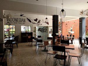 Kopi dan Pizza enak di The Library Cafe Kota Malang