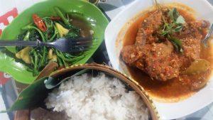 Pedas dan Lezatnya Masakan di Mbok Ndower Kota Malang